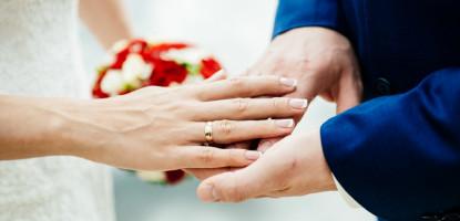 8 īpaši veidi, kā kāzās pasniegt naudu