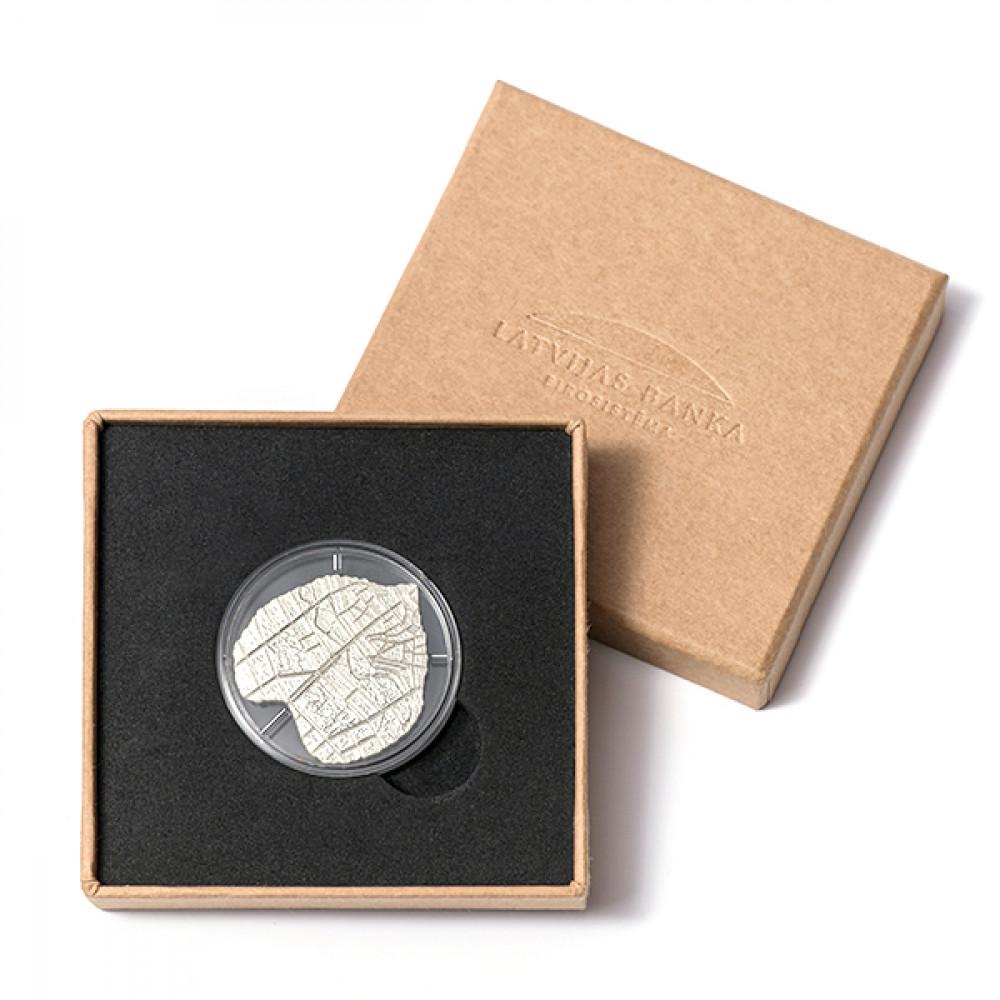 Latvijas Bankas kolekcijas monēta - Liepas lapa - 18.13g, 925